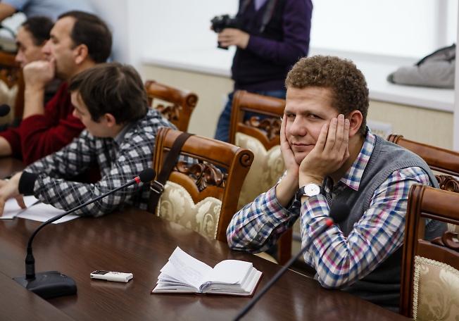 ноябрь 2014, Владимир Крючев на совещании