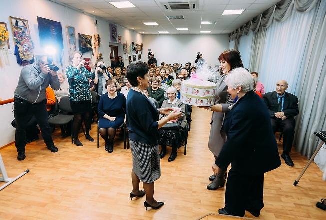 ноябрь 2018, библиотеке Горловского 80 лет.