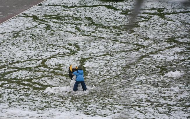 декабрь 2019, первый снеговик