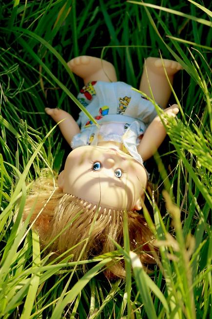 Брошенная кукла..