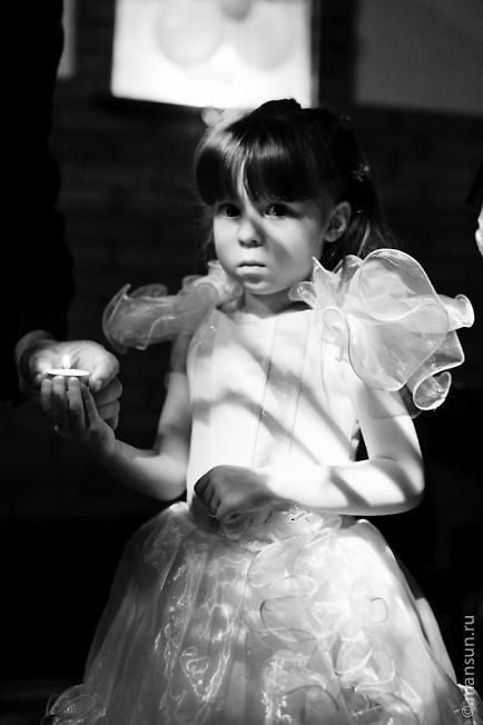 девочка со свечой