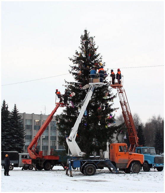 Наряжаем елку!
