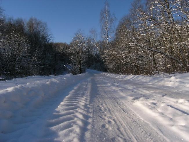 А за городом зима...
