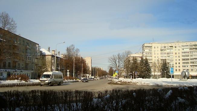 На центральной улице Обнинска 10 утра...