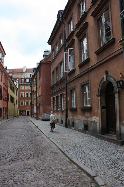 Улочка в Варшаве