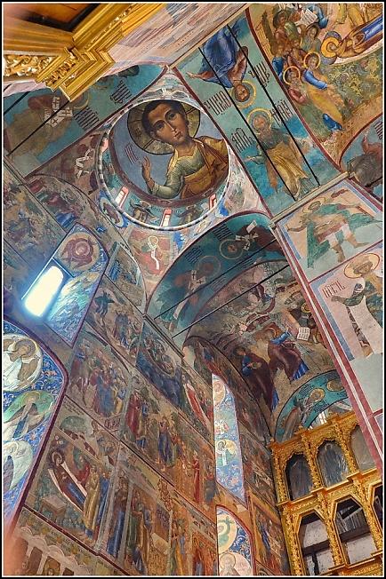 Обновленные фрески