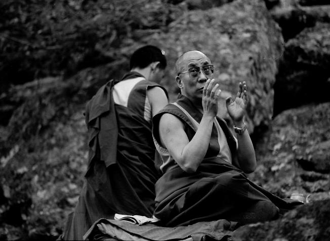 Далай-лама медитирует на горе Алханай в Забайкалье