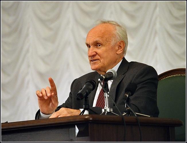 Алексей Ильич