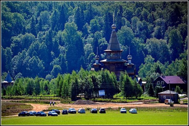 Храм прп. Сергия Радонежского в Святогорье