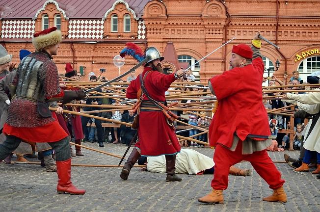 Развлечения на Красногорской площади в канун выборов 2