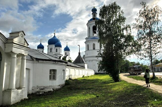 Свято-Боголюбский монастырь под Владимиром.