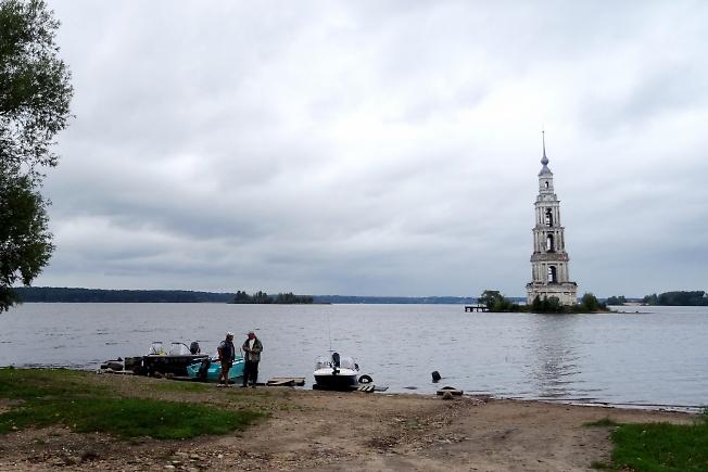 Колокольня собора Николая Чудотворца.