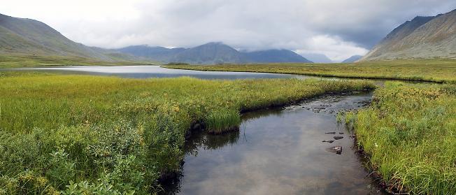 Озеро и протока