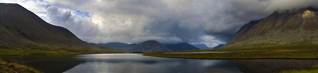 Перевальное озеро. Перед дождём.