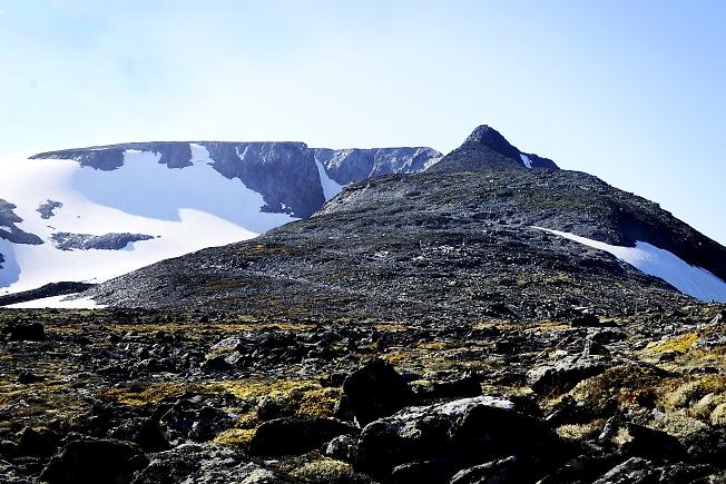 Ледник ИГАН и вершина Харнаурды-Кеу