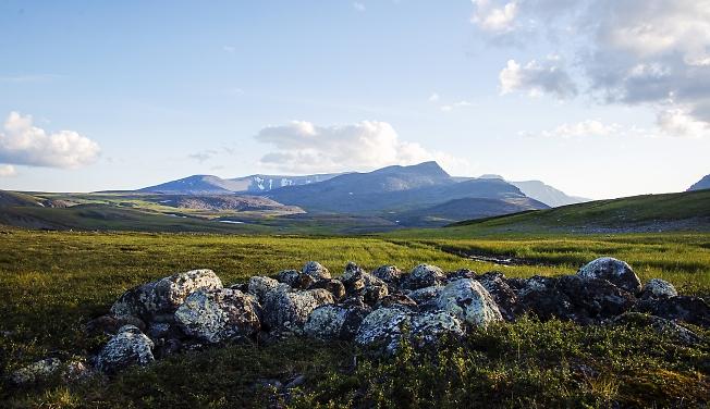 Горы и камни