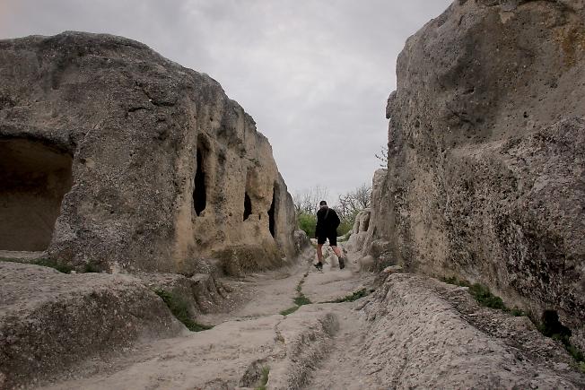 Мостовая пещерного города 4