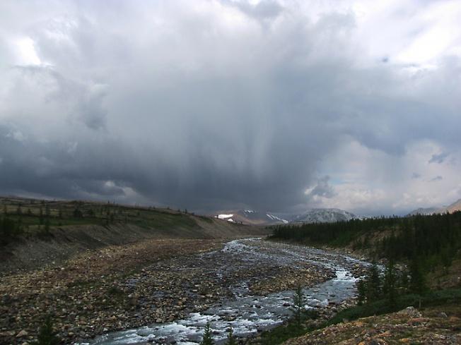 Дождь приближается... Река Левая Пайера