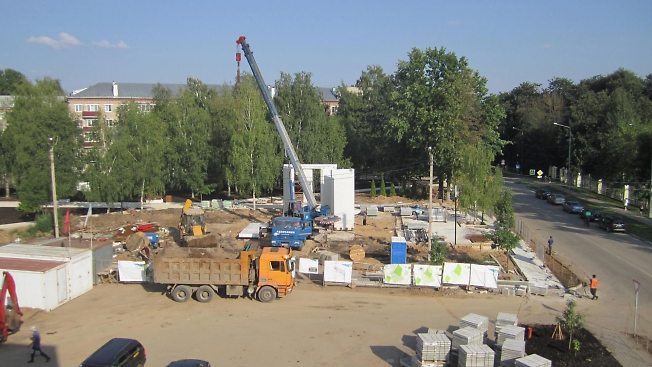 Строительство на бульваре Кузнецова