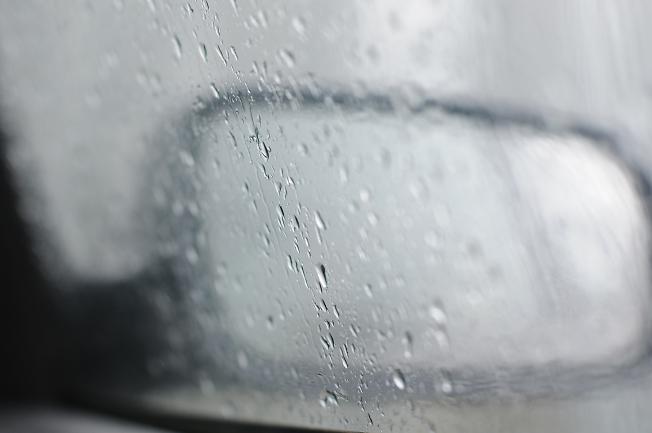 дождь по стёклам
