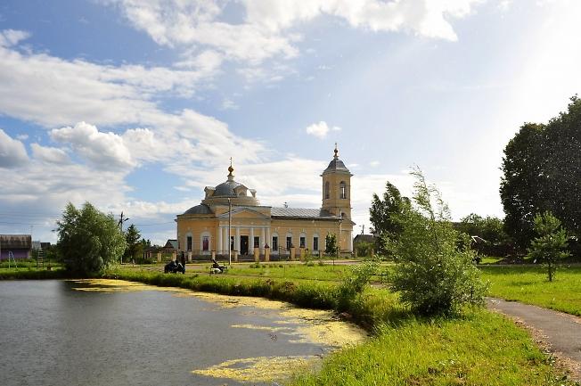 Храм в с.Озерецкое