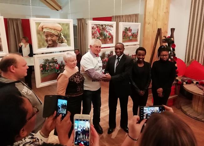 Александр Маркелов с полномочным послом Республики Бурунди в Российской Федерации Эдуардом Бизимана.