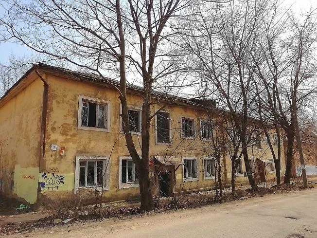 Старый дом под снос, ул. Школьная
