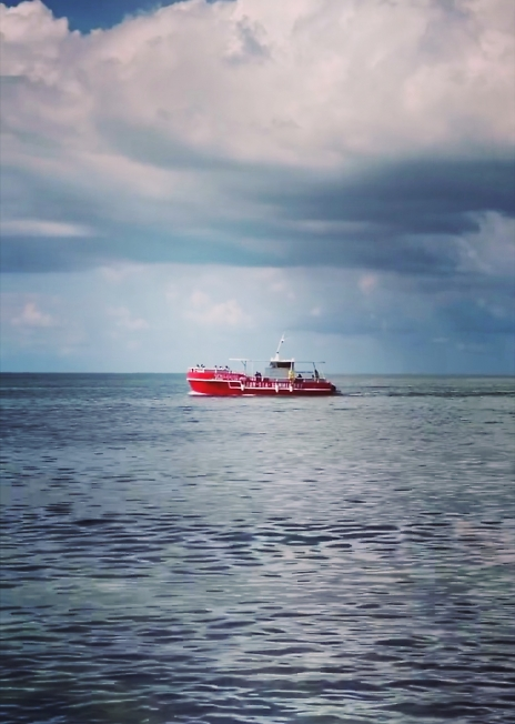 Фот с моря от друзей.