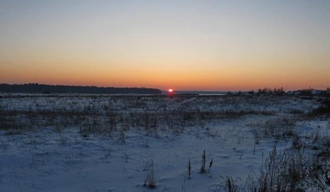 Морозный зимний вечер.