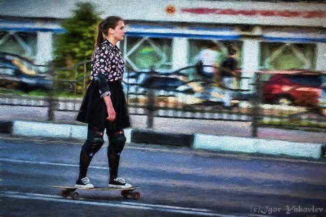 Скейтбордистка