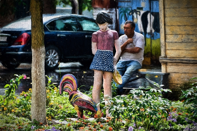 Девочка с петухом