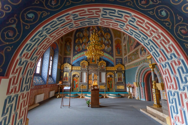 Алтарь храма Святителя Спиридона