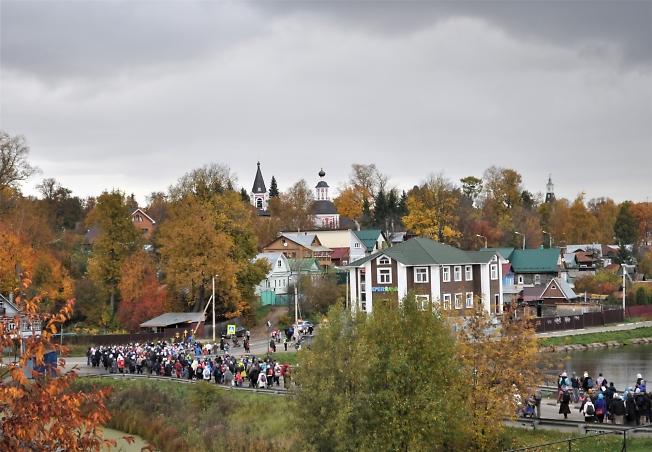 Крестный ход в направлении к Ильинской