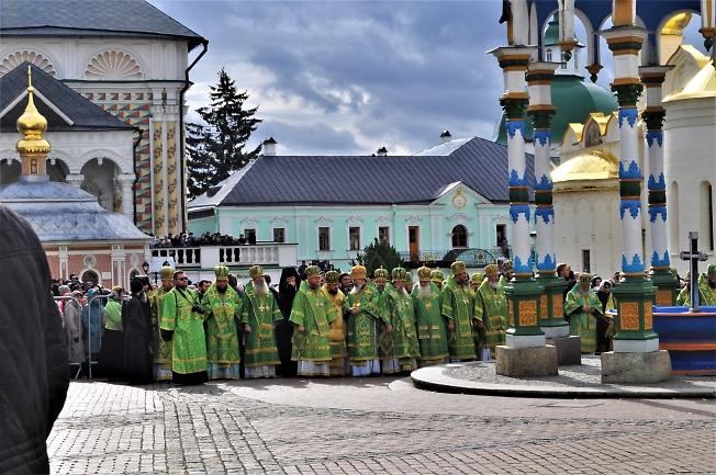 В День прославления Преподобного. В ожидании патриарха.