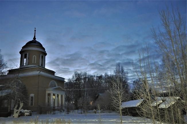 Утро  в  селе  Воздвиженское