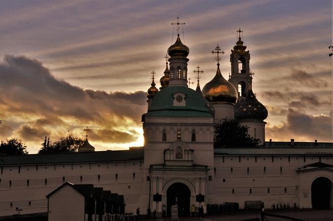 Вечерняя Свято-Троицкая Сергиева лавра