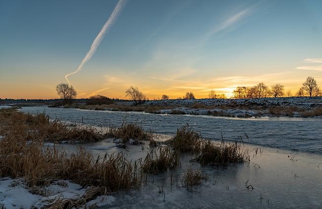 Рассвет на реке Шерна