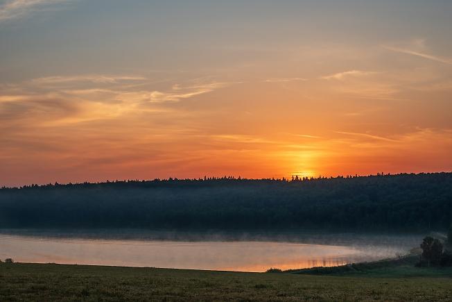 Рассвет на Торбеевом озере