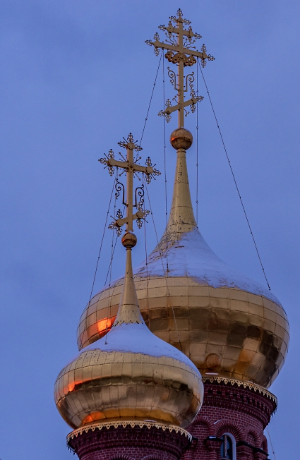 Отблески заката на маковках Черниговского