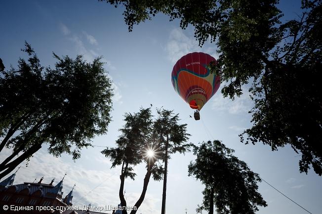 июль 2015, воздушный шар на Красногорской площади
