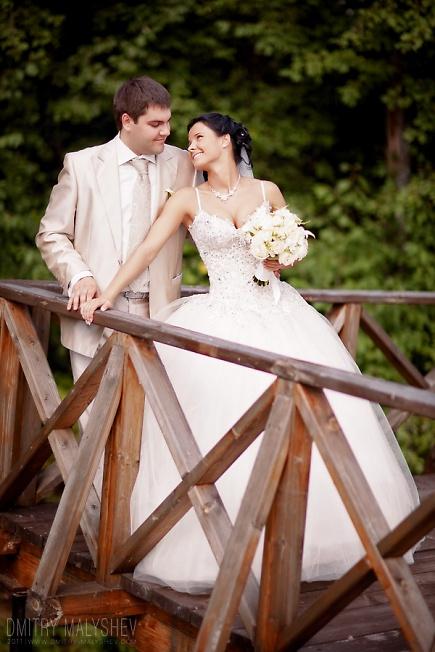 На деревянном мостике