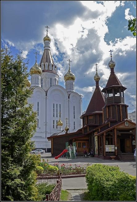 Покровская и Серафимовская церкви
