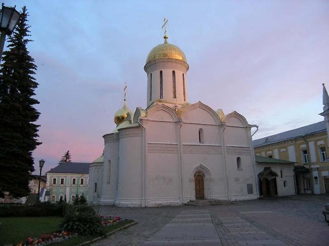 Троицкий храм, Лавра