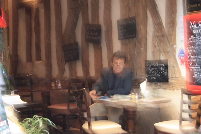 В парижском кафе