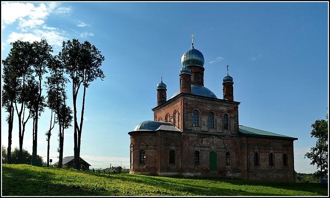 Михайло-Архангельский храм в селе Шарапово