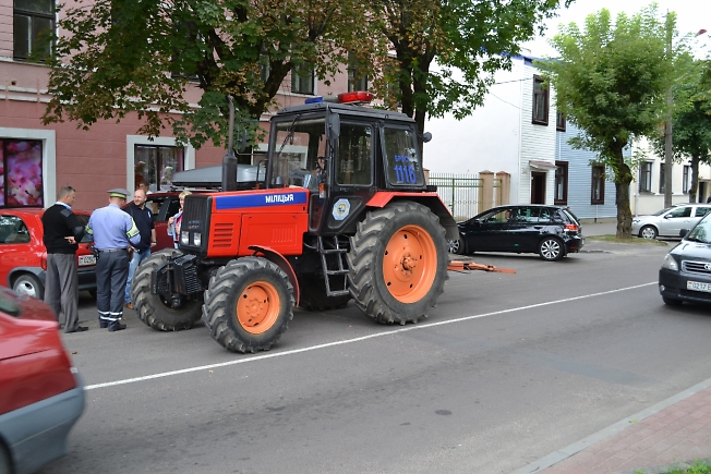 Патрульный трактор