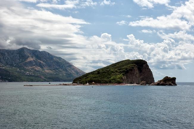 Вид на остров Святого Николы (Свети-Никола)