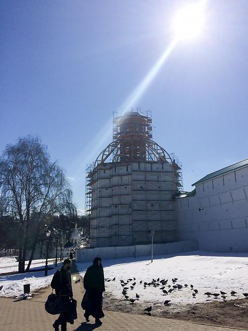 Фантастически лучезарная фотография про новый купол Пятницкой башни