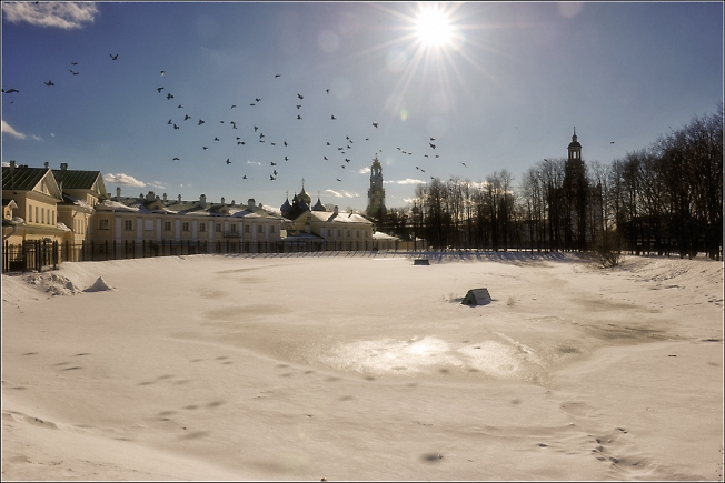 Зимний день на белом пруду