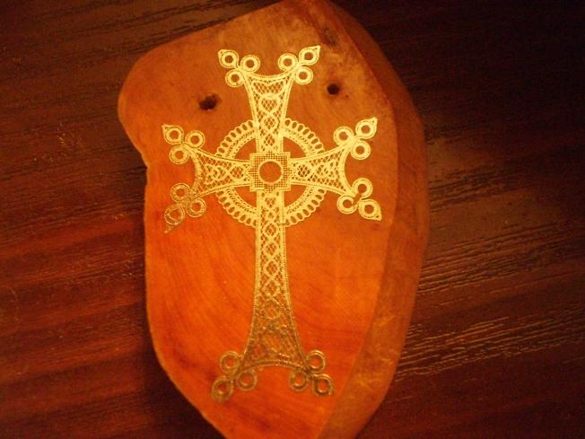 Крест серебряный.